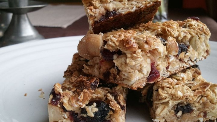 Cranberry Nut Granola Bars