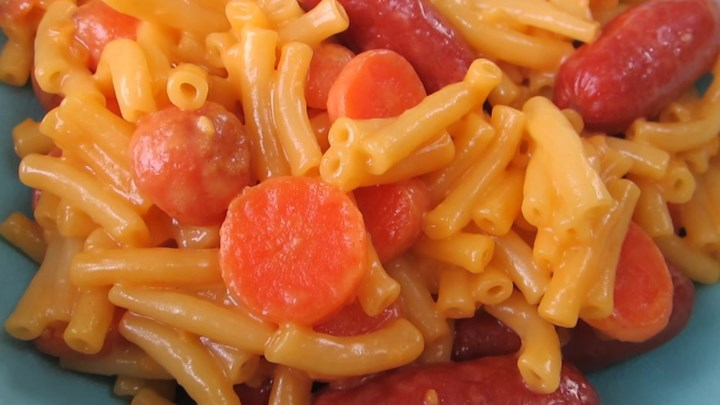 Cheezy Macaroni and Little Smokies