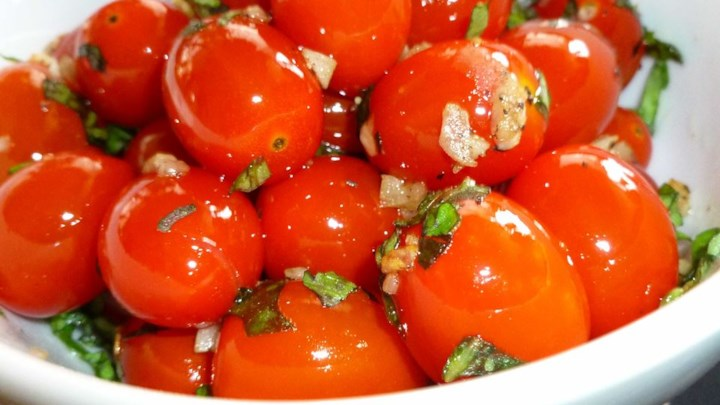 Sauteed Cherry Tomatoes with Garlic and Basil - Review by SunFlower ...
