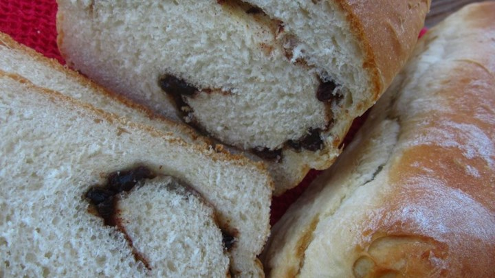 Overnight Cinnamon-Raisin Swirl Bread