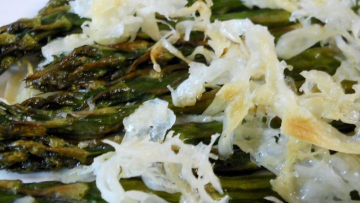 Broiled Asparagus Parmesan