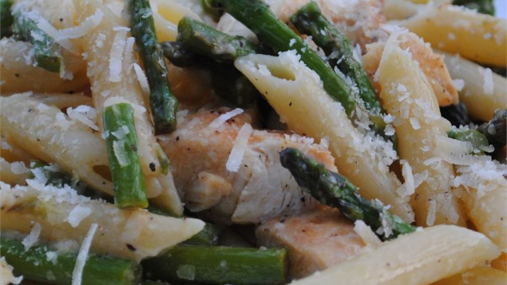 Chicken and Asparagus with Penne Pasta