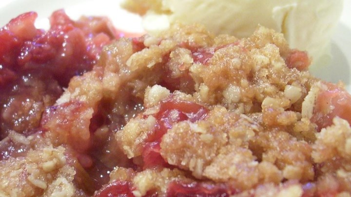 Rhubarb-Raspberry Crunch