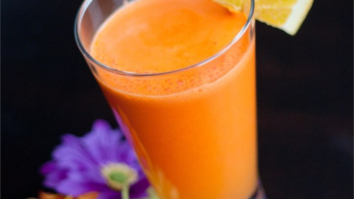 'Carrot and Orange Juice' from the web at 'http://images.media-allrecipes.com/userphotos/720x405/968239.jpg'