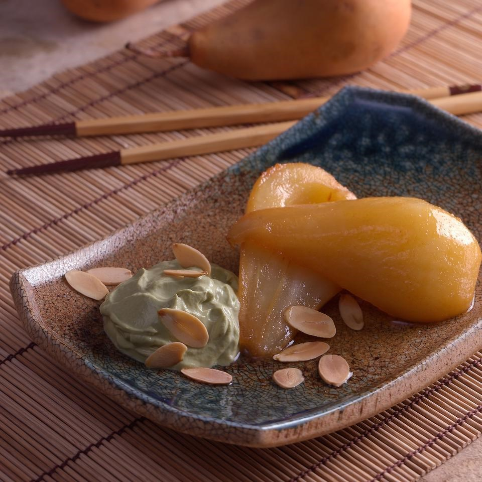 Green Tea-Poached Pears with Matcha Cream