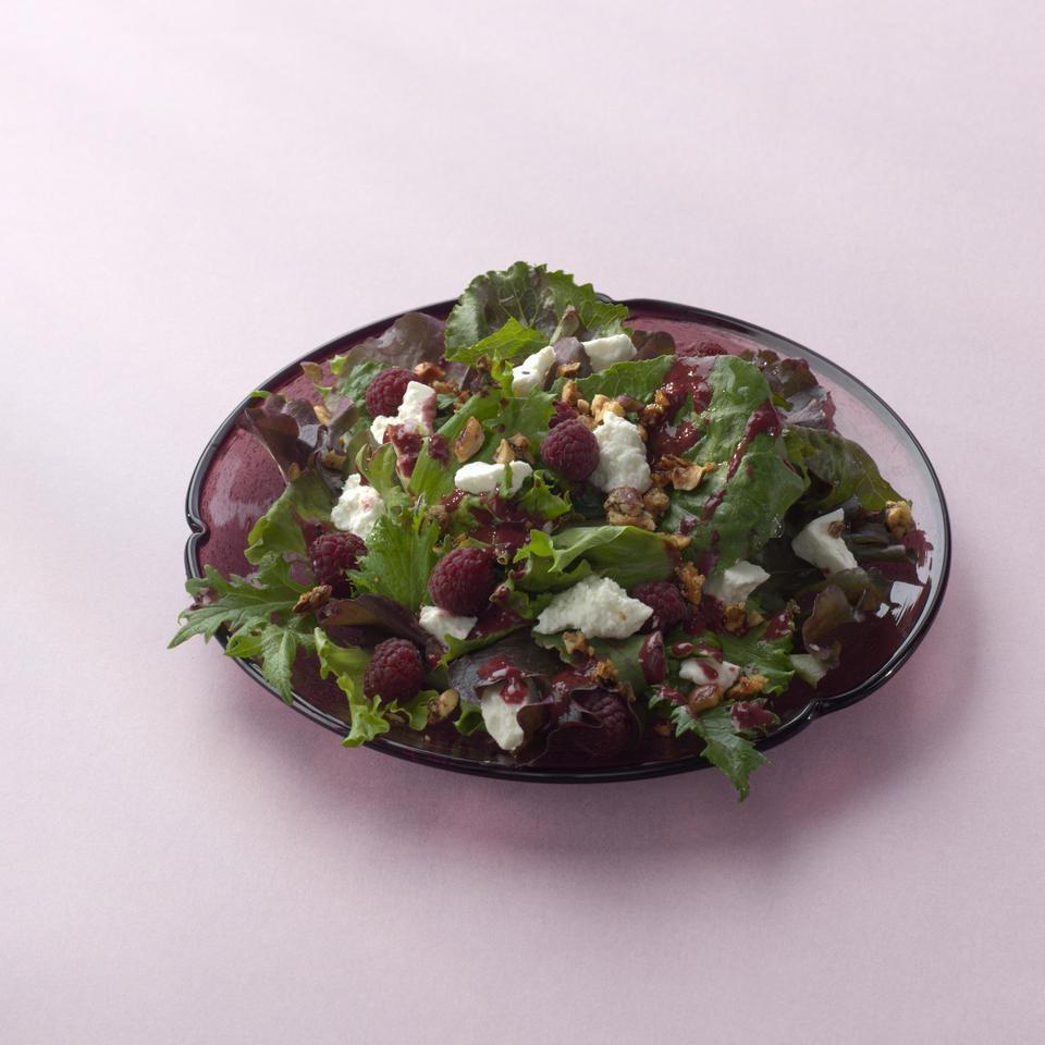 Mixed Greens with Berries & Honey-Glazed Hazelnuts