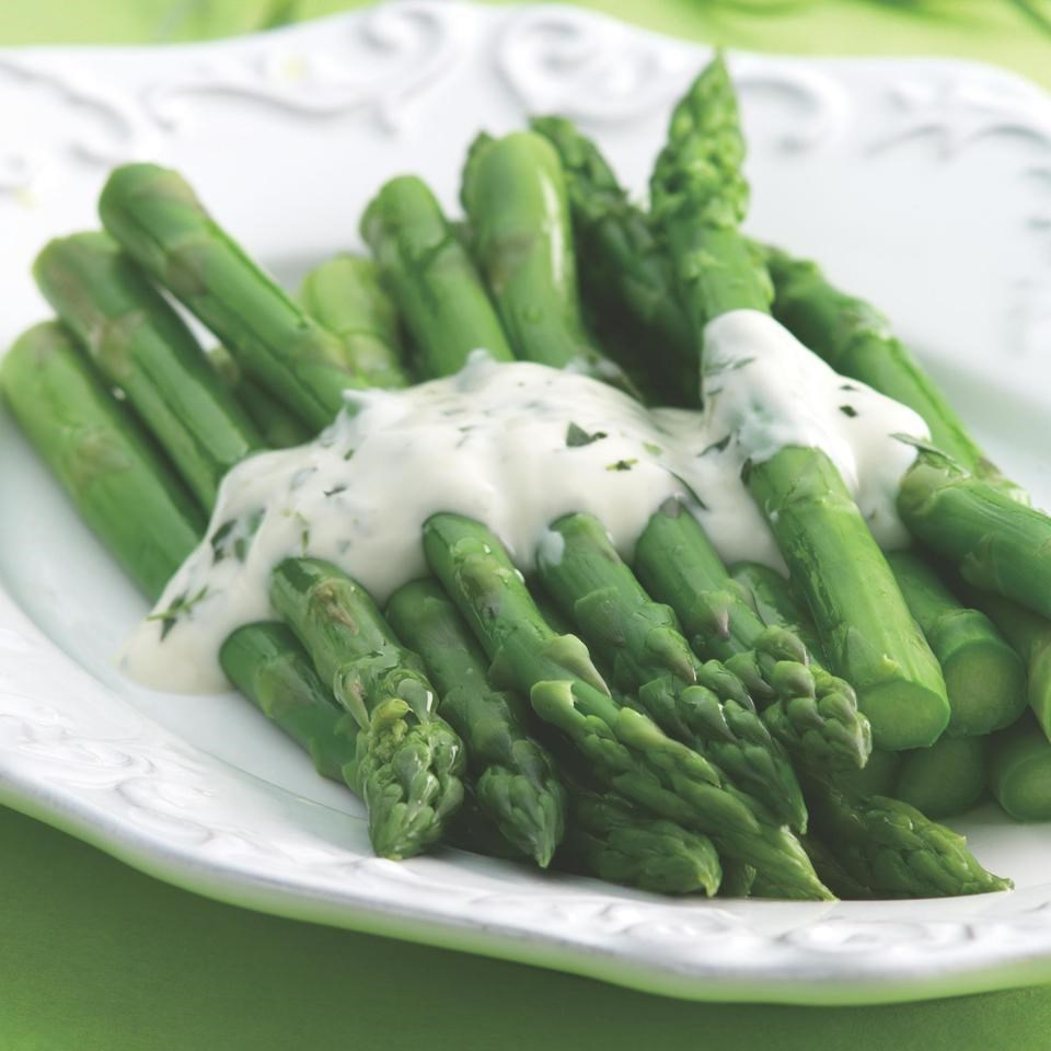 Asparagus Topped With Creamy Tarragon Sauce Recipe