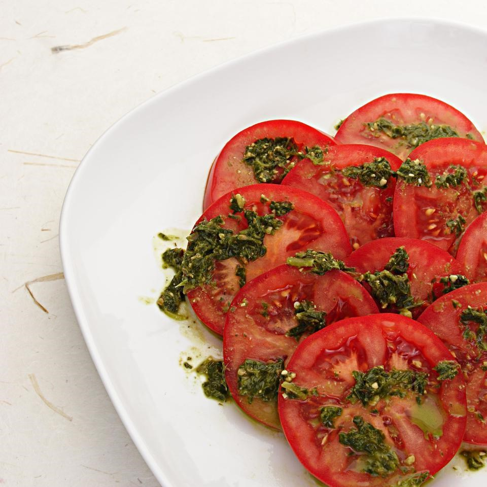 Sliced Tomatoes with Pesto Drizzle