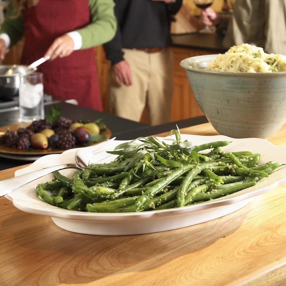 Garlicky Green Beans Recipe - EatingWell