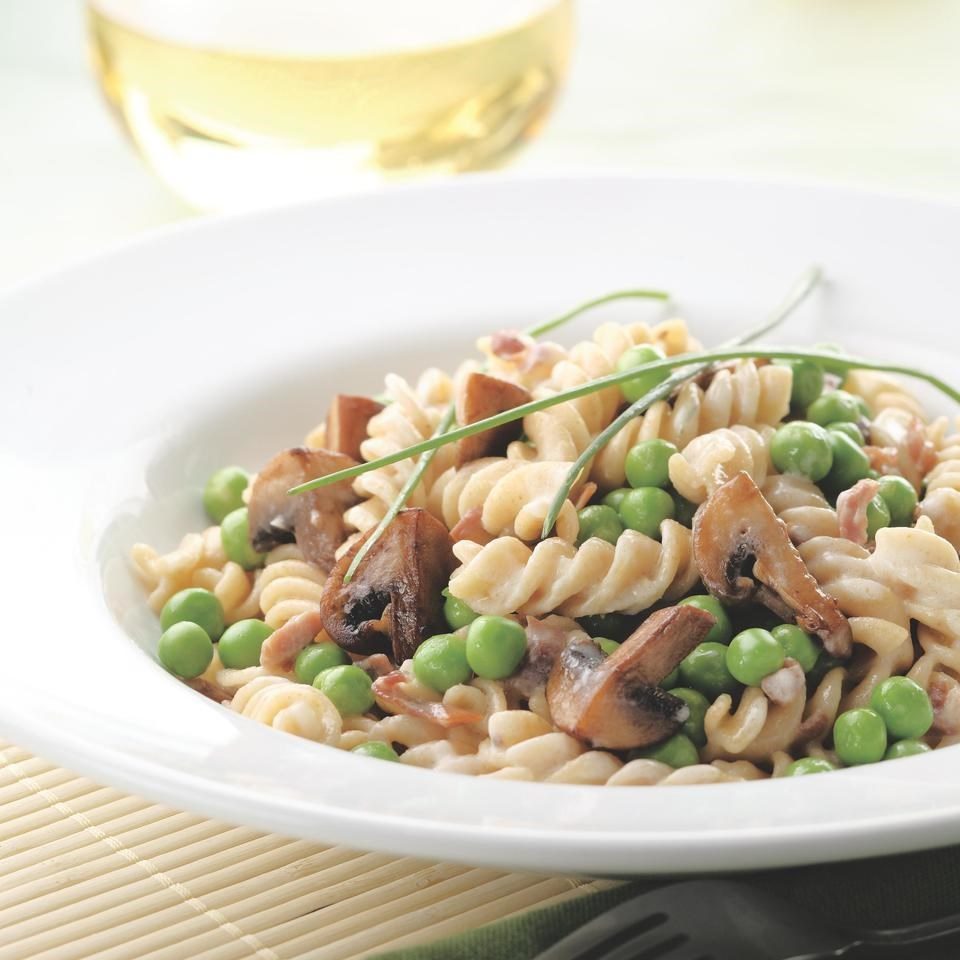 Pasta with Creamy Mushroom-Pea Sauce Recipe - EatingWell