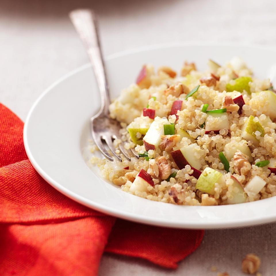Pear quinoa salad recipe eatingwell for Cuisine quinoa