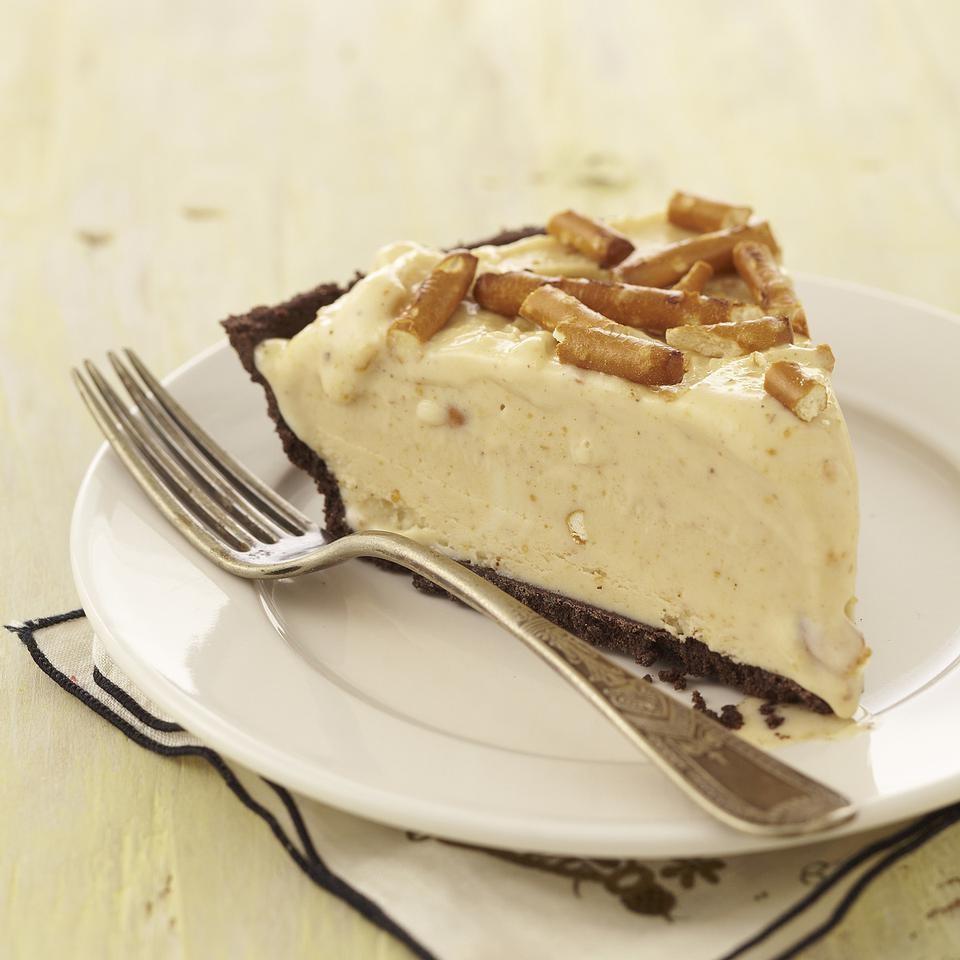 Frozen Peanut Butter-Pretzel Pie
