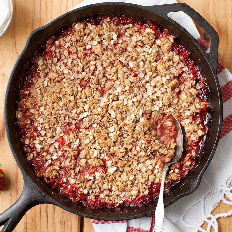 Skillet Strawberry-Rhubarb Crisp