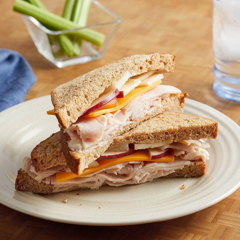 Turkey Apple Cheddar Sandwich Recipe: Turkey Apple Cheddar Sandwich Recipe