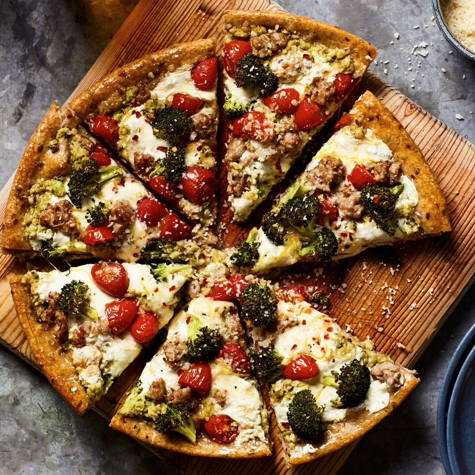 Broccoli & Sausage Skillet Pizza