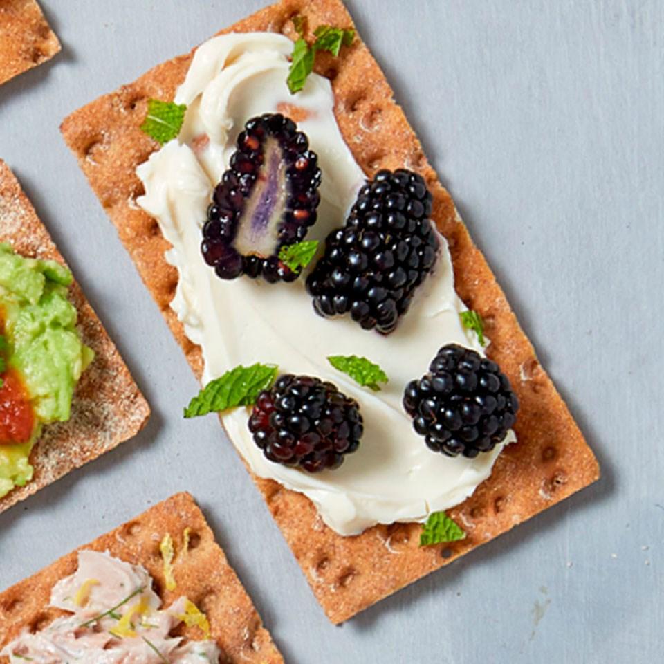 Blackberry & Cream Cheese Cracker