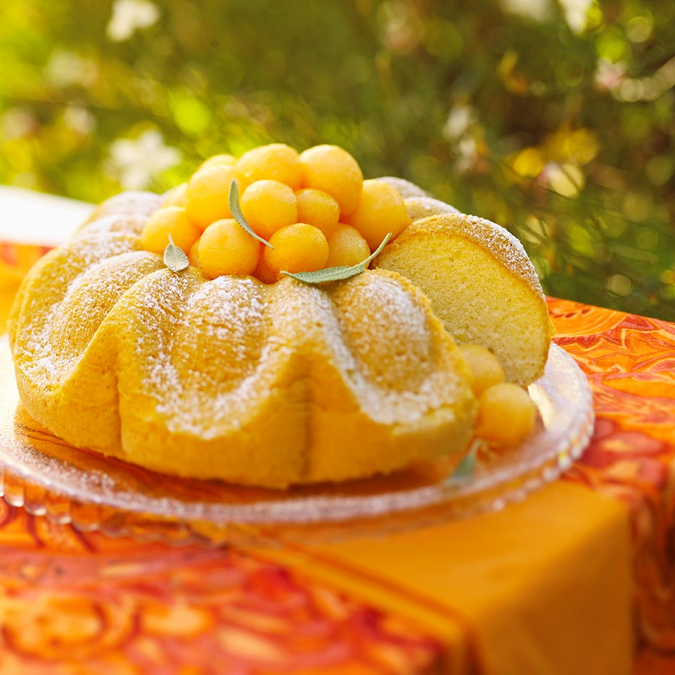Melon Chiffon Cake with Sparkling Fruit