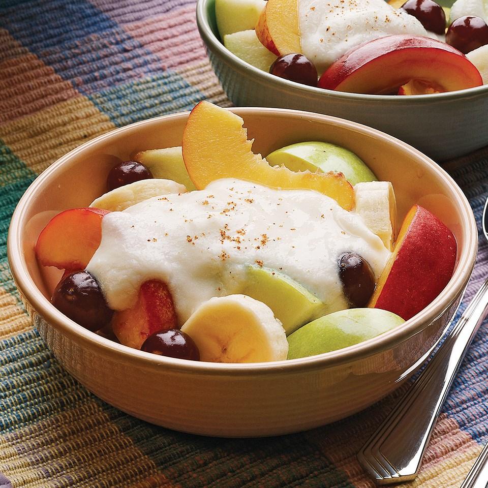 Fresh Fruit with Creamy Sauce