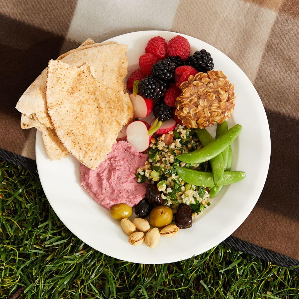 Tabbouleh, Hummus & Pita Plate