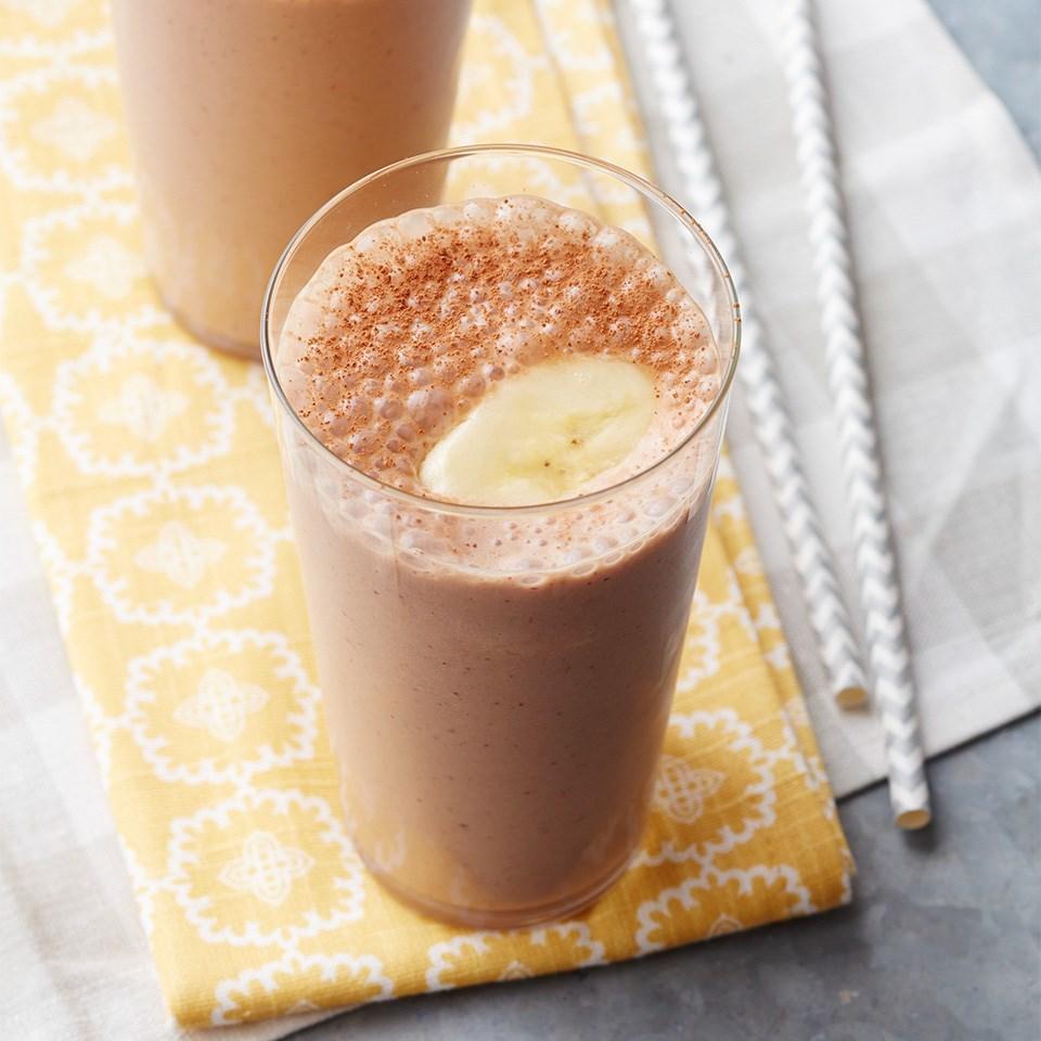 Almond-Chocolate Banana Smoothies