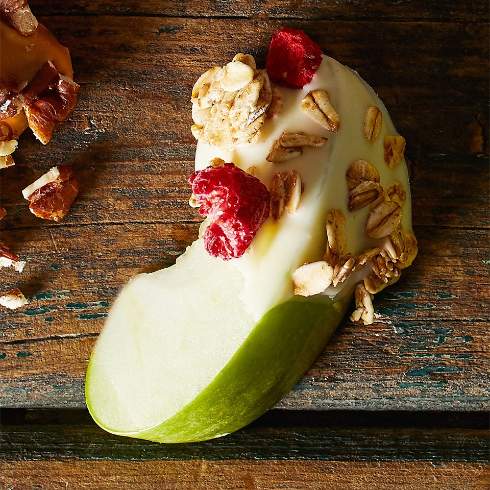 White Chocolate-Granola Apple Dippers