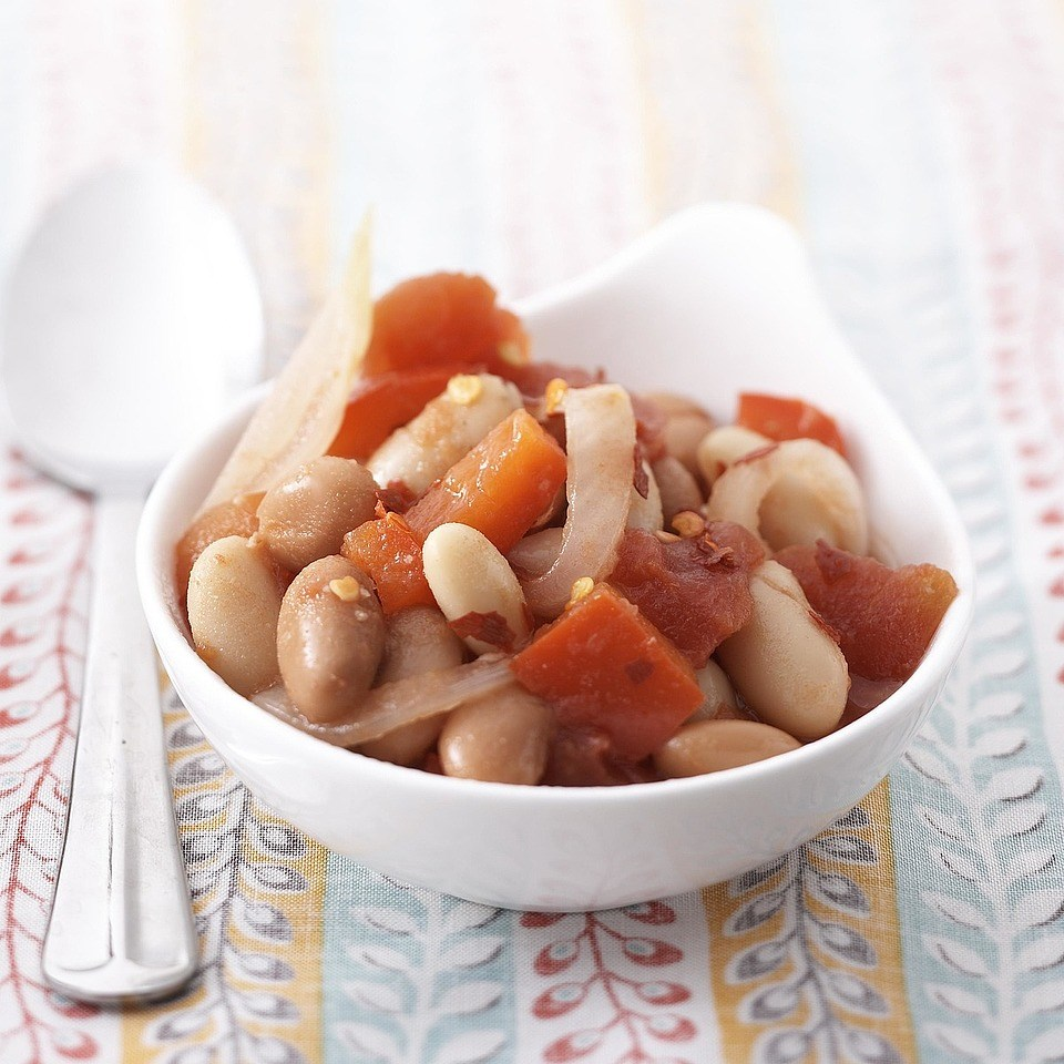 Saucy Beans with Tomatoes