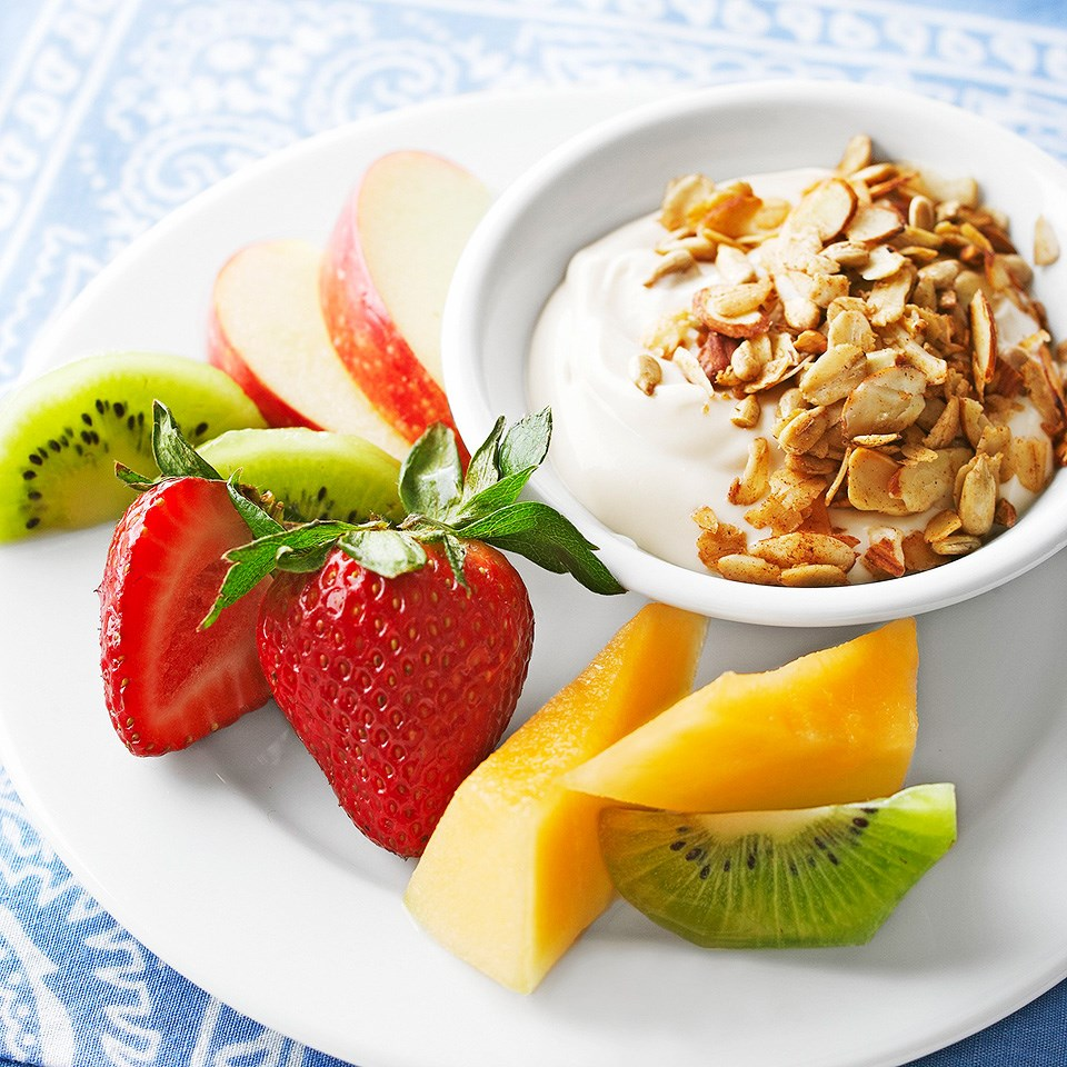 Granola-Topped Caramel Fruit Dip