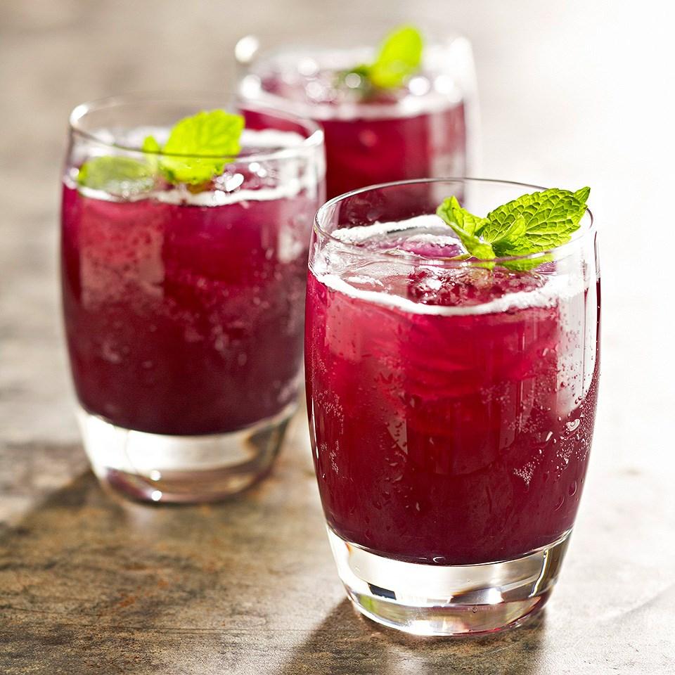 Grape-Pineapple Mint Fizz