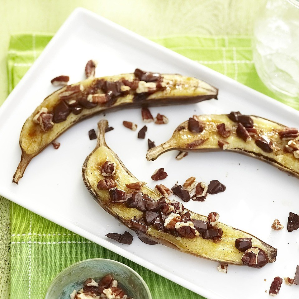 Grilled Cinnamon-Sugar Banana Boats with Dark Chocolate and Pecans