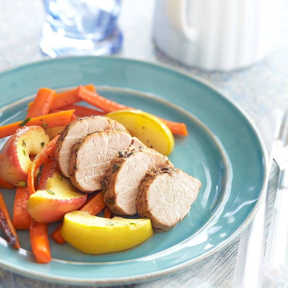 Roasted Pork Tenderloin with Apples and Carrots