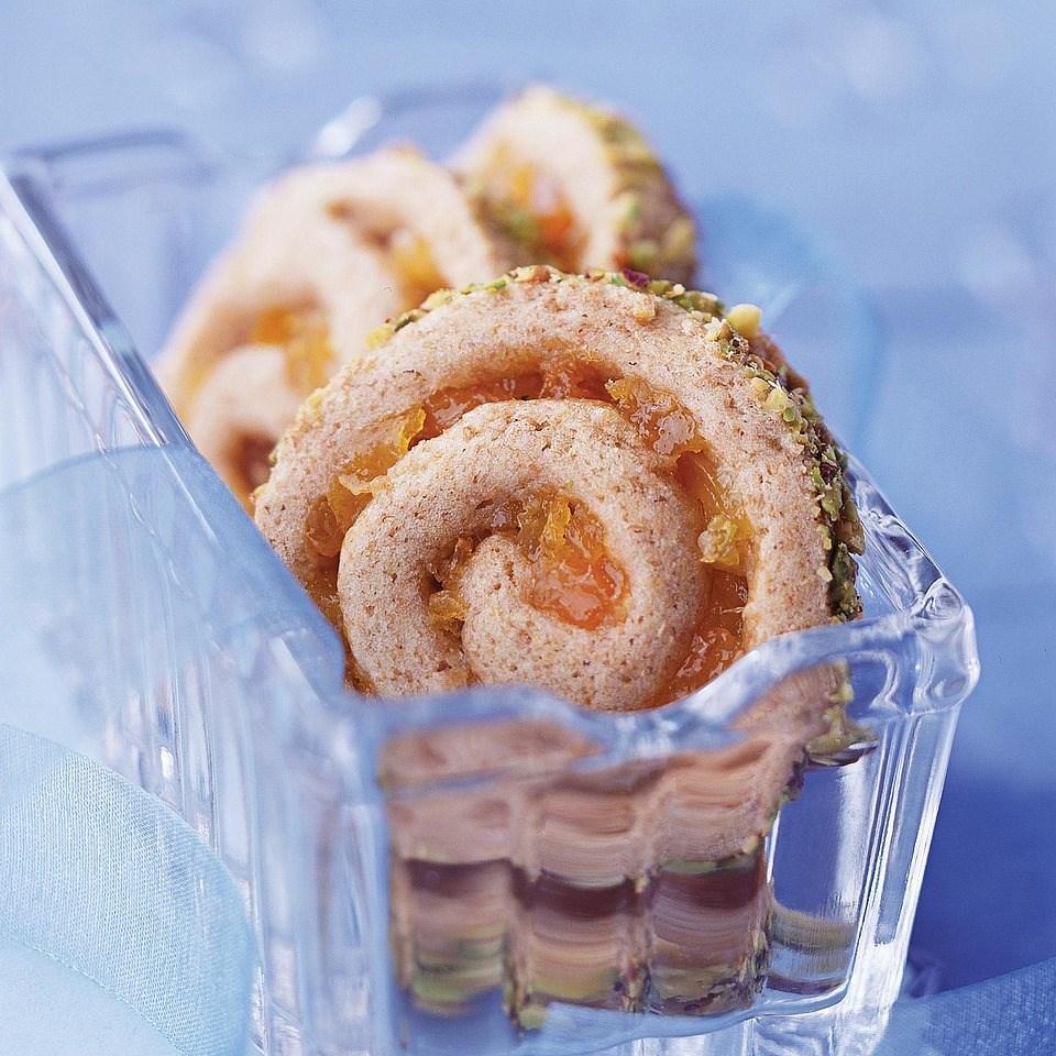 Apricot-Ginger Pinwheels