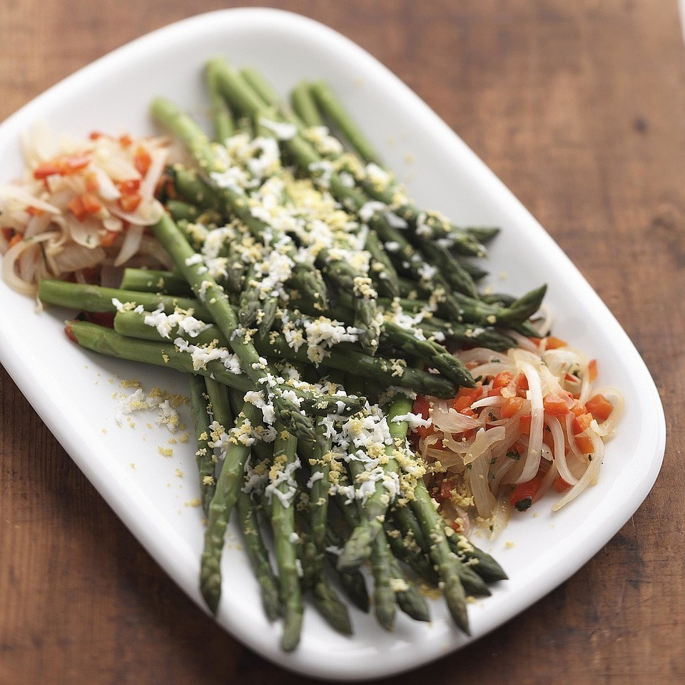 Asparagus With Red Peppers Recipe Eatingwell