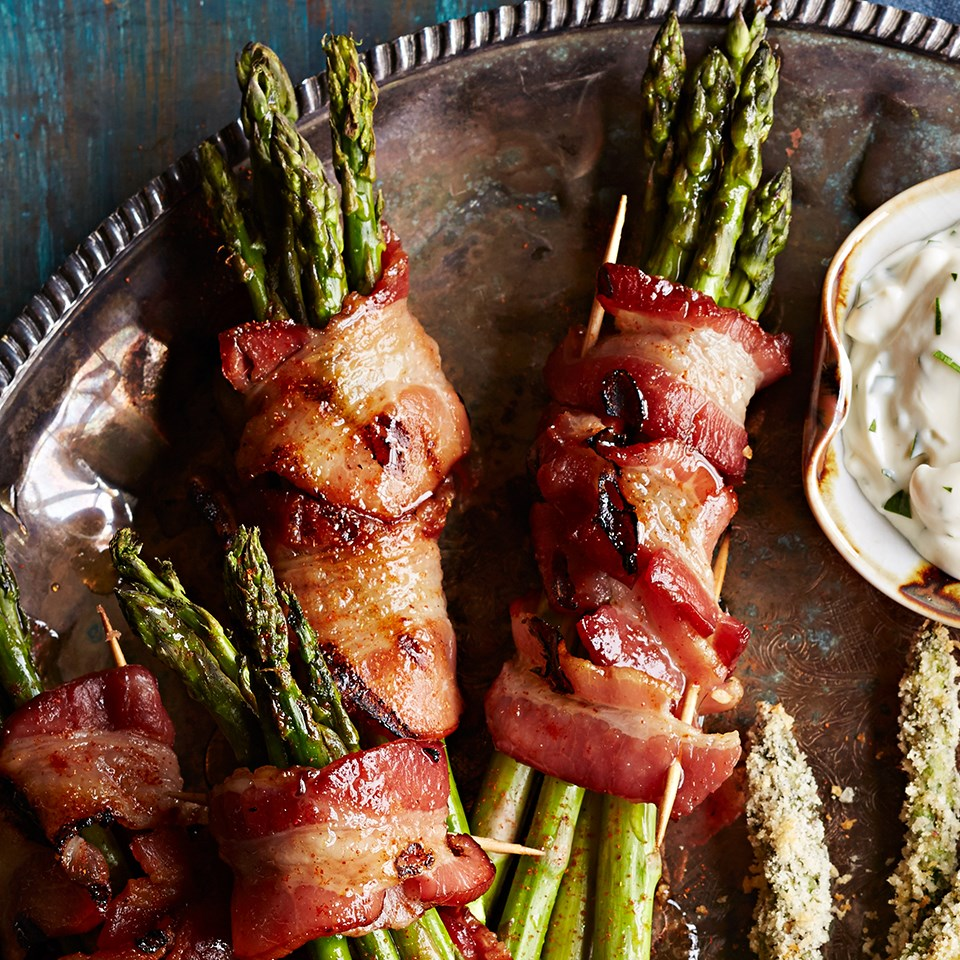 How to cook bacon wrapped asparagus on the bbq