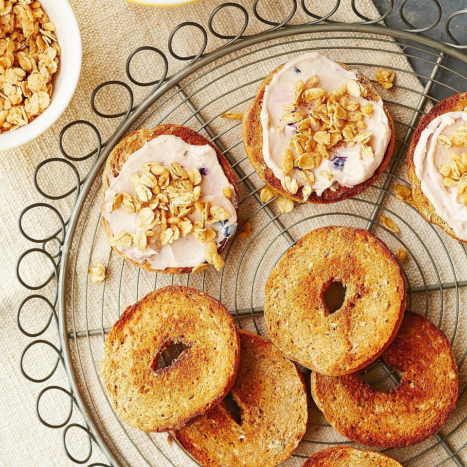 Brown Sugar-Cinnamon Cream Cheese Bagels
