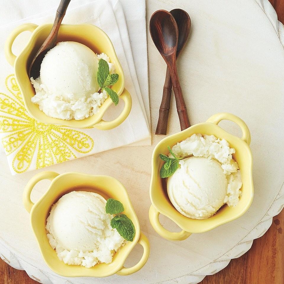 Honeyed Greek Frozen Yogurt