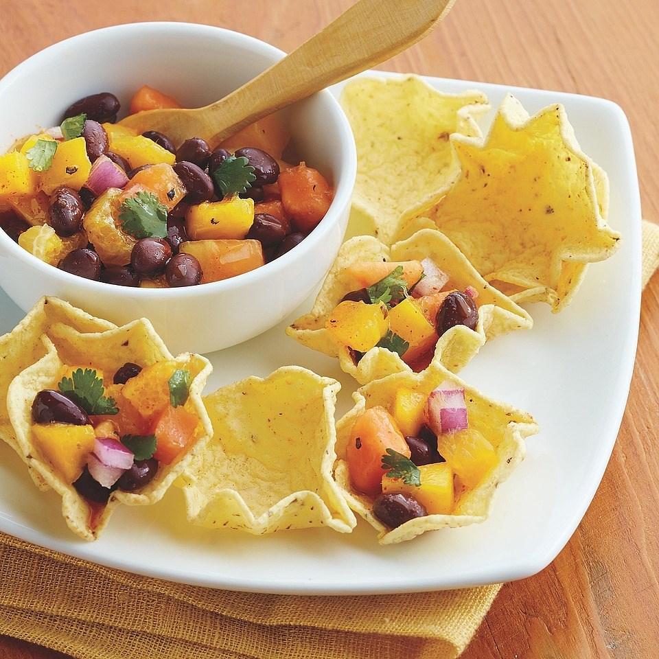 Mango and Black Bean Salsa Cups