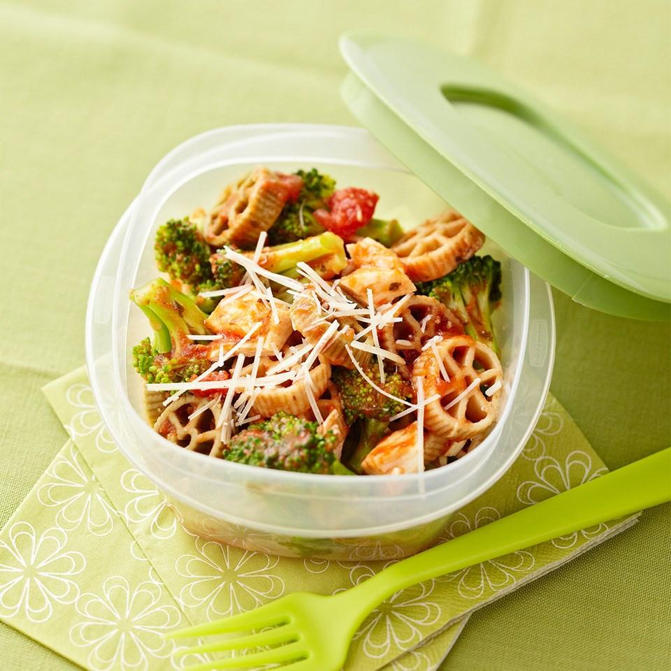 Whole Wheat Pasta with Chicken & Broccoli
