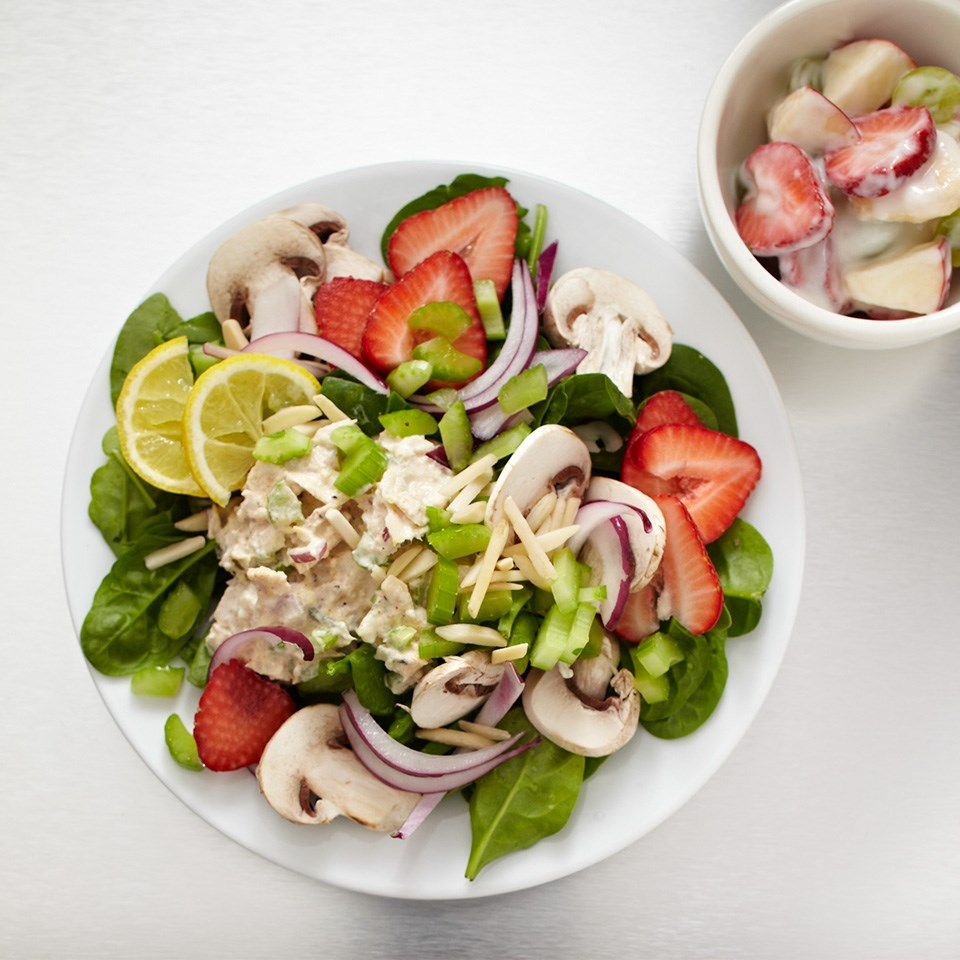 strawberry tuna spinach salad