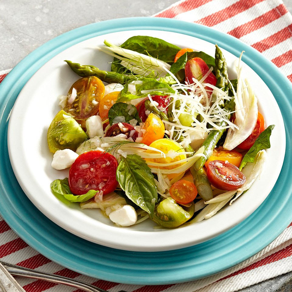 Tomato-Fennel Caprese Salad with Lemon-Shallot Vinaigrette