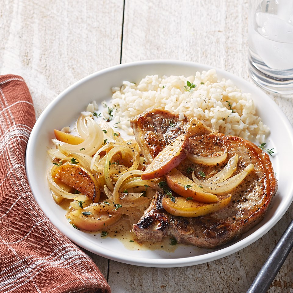 Seared Pork Chops with Apples and Onion