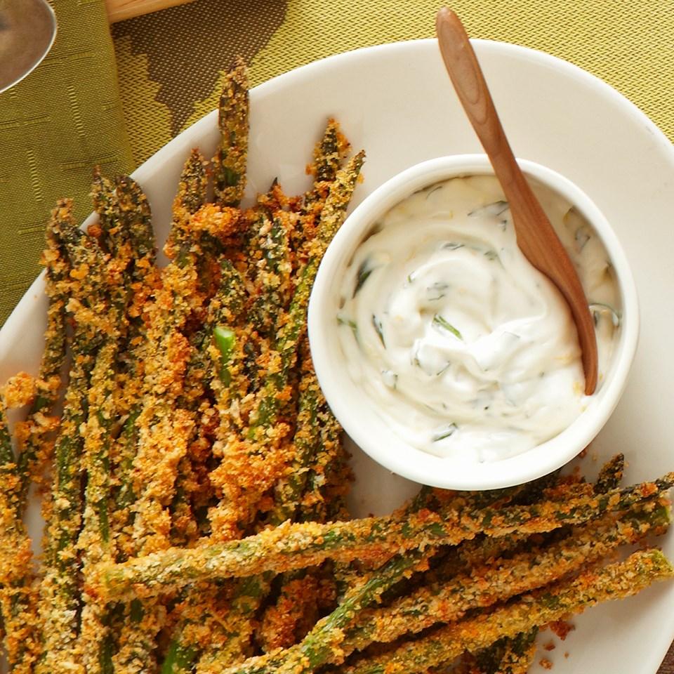 Crispy Asparagus with Creamy Tarragon Sauce