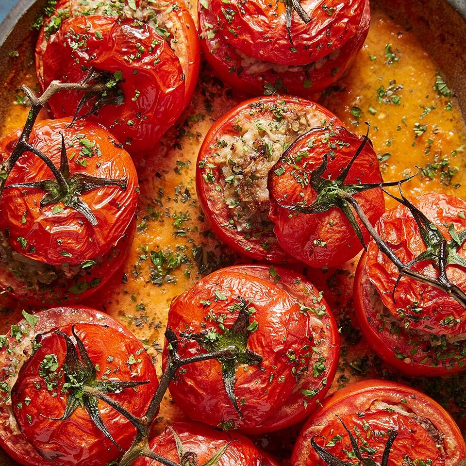 Tomato Dolma with Roasted Eggplant (Köz Patlicanli Domates Dolmasi)
