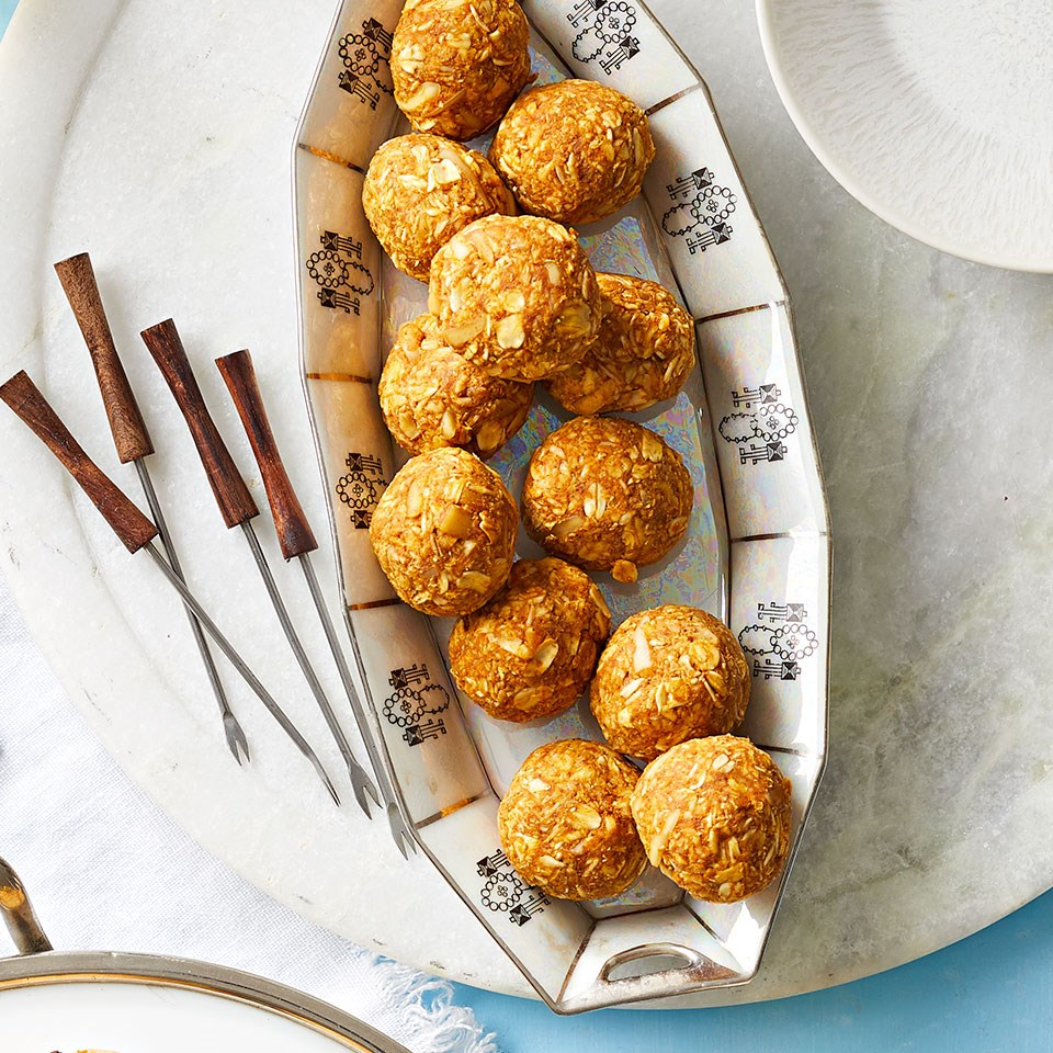 Pumpkin Coconut Energy Balls
