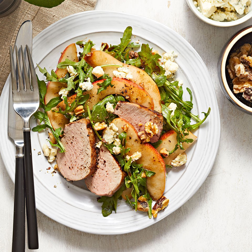 Arugula Salad with Roasted Pork Tenderloin, Pears & Blue Cheese