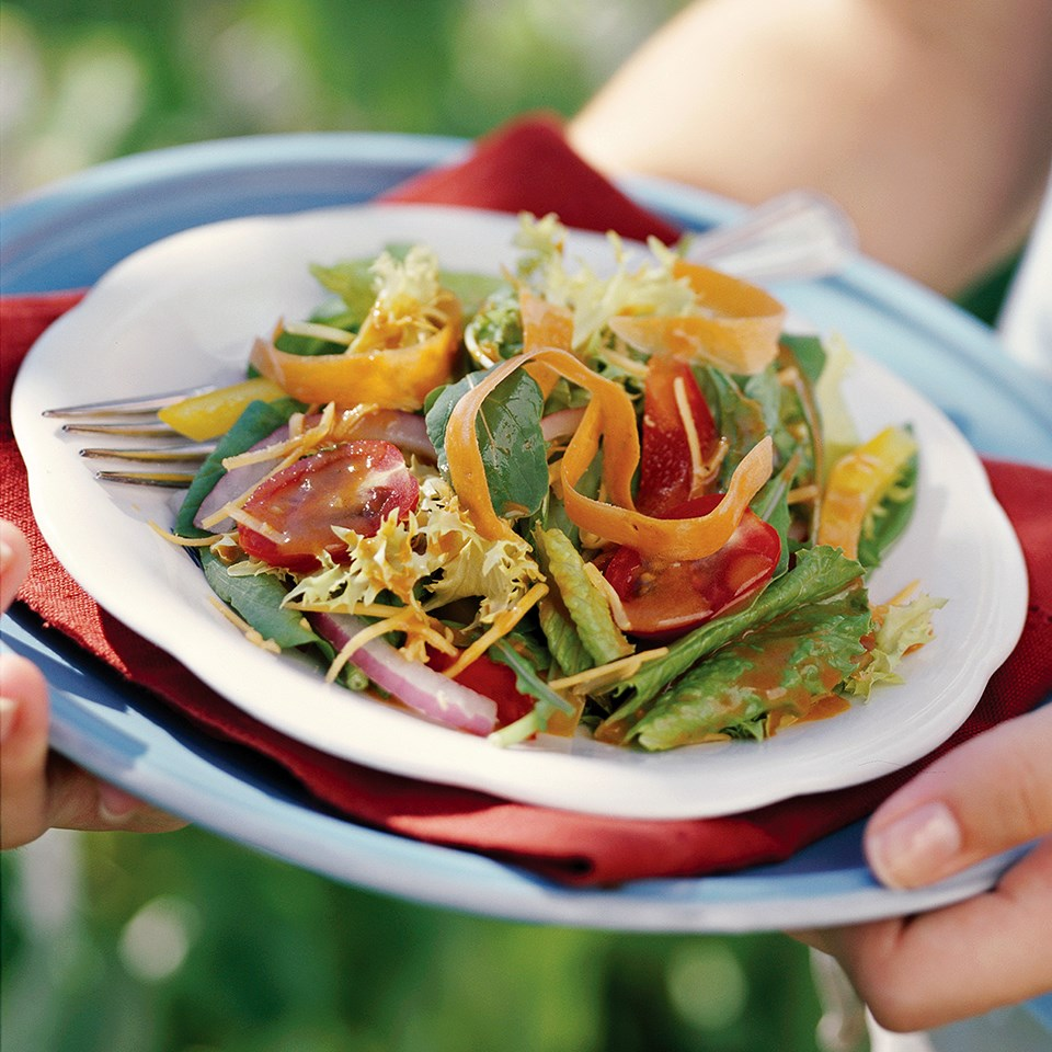 Mixed Garden Greens Salad with Homemade Low-Calorie French Salad Dressing