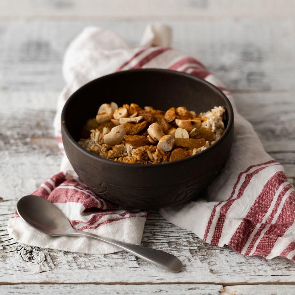 Savory Curry-Cashew Overnight Oats