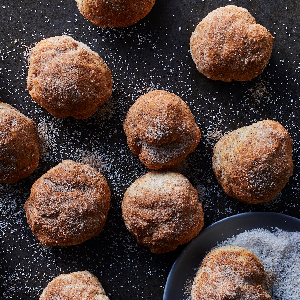 Air-Fryer Cinnamon-Cake Doughnut Holes