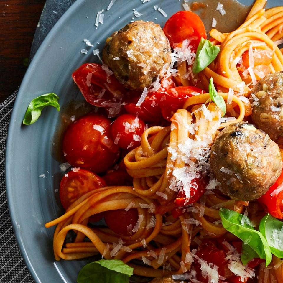 Linguine with Fresh Tomato Sauce