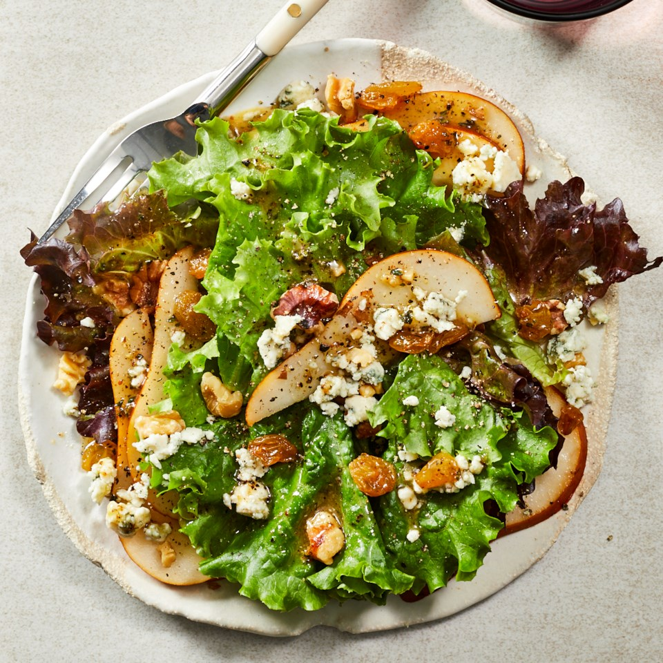 Pear, Gorgonzola & Walnut Salad Recipe