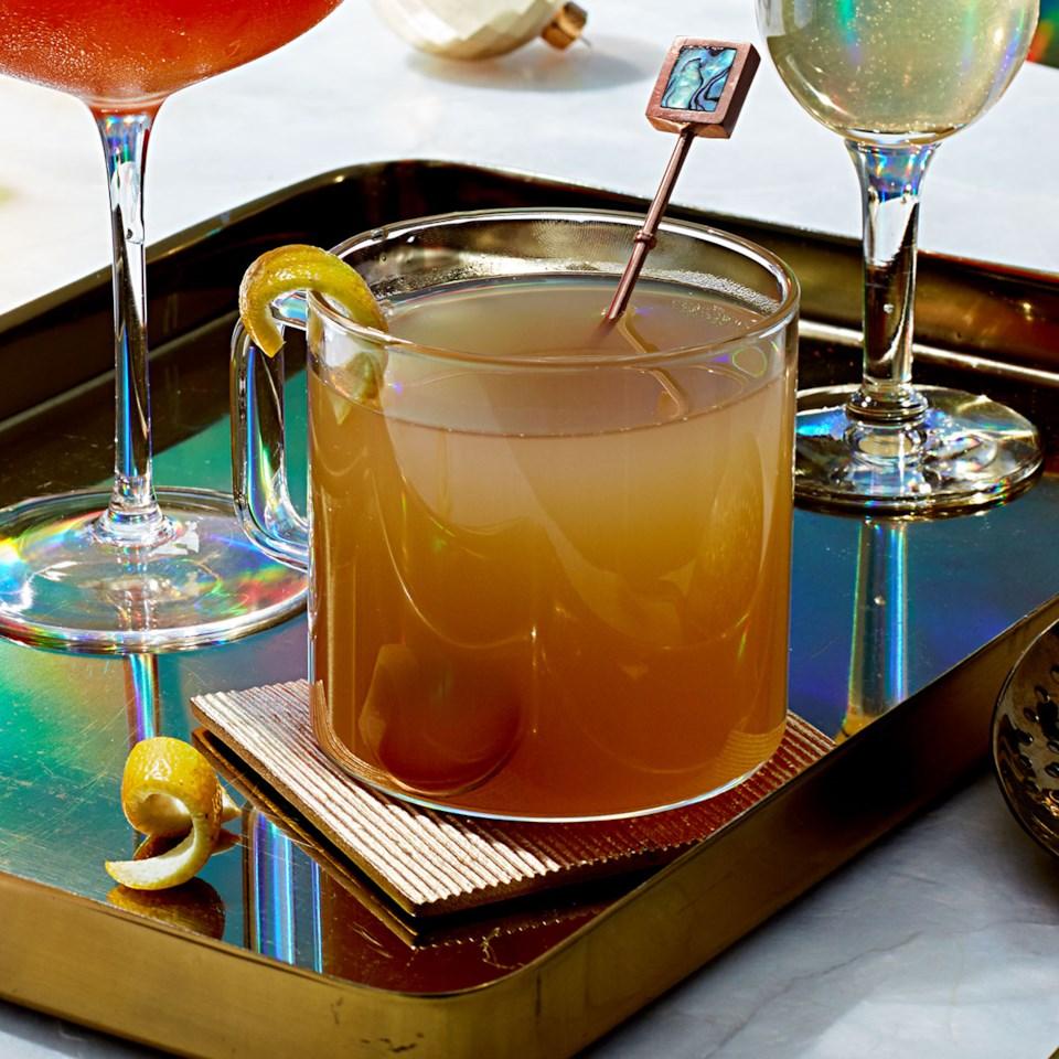 Winter Honey Whiskey Cocktail